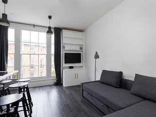 Newly refurbished 1bed flat next to Olympia - London vacation rentals