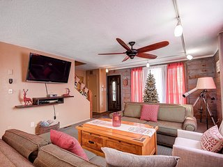 Northern Pines Retreat Flagstaff's newest pet friendly Vacation home! - Flagstaff vacation rentals