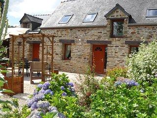 Parc de Lutin's holiday cottage: Owl Cottage - Reguiny vacation rentals