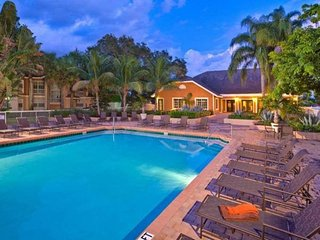 Master Bedroom/Bath with pool near Sawgrass Mall. - Sunrise vacation rentals