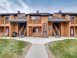 Comfortable condo w/ shared hot tub & views  - walking distance to downtown! - Moab vacation rentals
