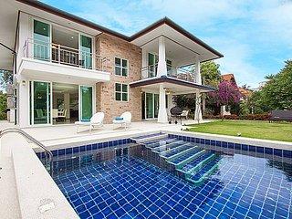 Siam Alexia Villa | Classic 5 Bed Pool Villa Bangsaray Pattaya - Na Chom Thian vacation rentals