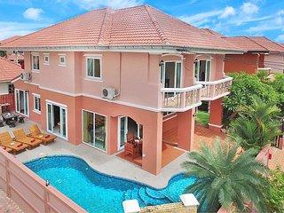 Baan Nom - 4 Bed Private Pool Villa in Jomtien, Pattaya - Jomtien Beach vacation rentals