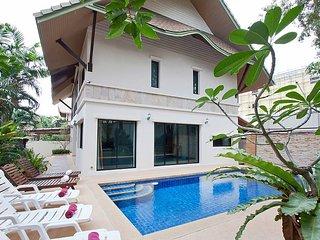 Baan Kon Lafun   3 Bed Modern Asian Pool Home in Central Pattaya - Pattaya vacation rentals