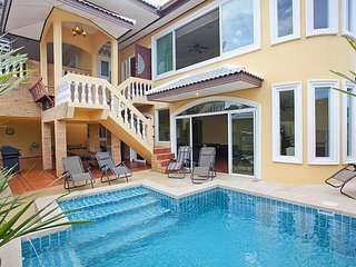 Villa Patiharn | 7 Bed Property with Pool and Games Room in East Pattaya - Pattaya vacation rentals