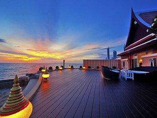 Ultra-luxe beachfront 6 bed villa - Jomtien Beach vacation rentals