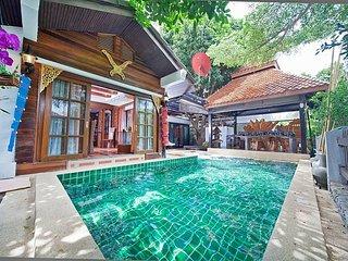 Baan Ruean Thai | 6 Bed Thai Style Villa with Pool in Jomtien Pattaya - Jomtien Beach vacation rentals