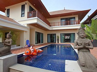 Villa Oranuch | 3 Bed Holiday Pool Home in Bangsaray Pattaya - Na Chom Thian vacation rentals