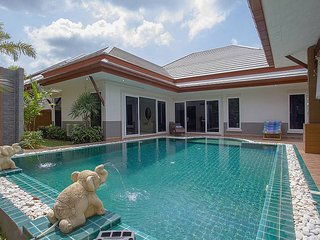 Thammachat P3 Vints No.130 - 3 Beds - Na Chom Thian vacation rentals
