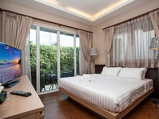 Chic 2 bed pool villa at Jomtien Beach - Pattaya vacation rentals