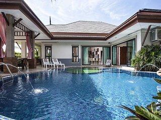 Thammachat P2 Laima | 3 Bed Pool Villa in Huay Yai Pattaya - Na Chom Thian vacation rentals