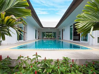 Villa Kalasea | 3 Bed Pool Villa in Banglamung Pattaya - Bang Lamung vacation rentals