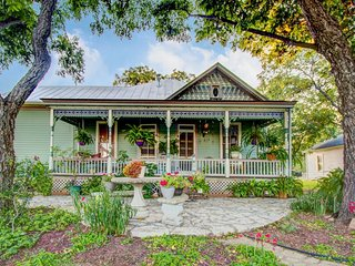 Charming, historic Victorian suite - a short stroll to Fredericksburg - Luckenbach vacation rentals