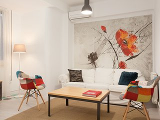 Chic Paseo Gracia Apartment 5 pax - Barcelona vacation rentals