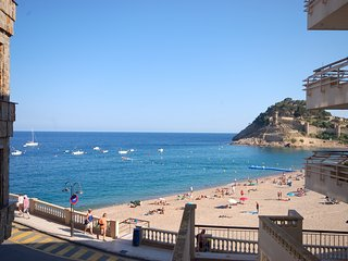 Beautiful 2 bedroom Apartment in Tossa de Mar with Internet Access - Tossa de Mar vacation rentals