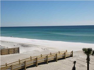 Roomy beachfront 2BR with heated pool, and washer/dryer - Fort Walton Beach vacation rentals