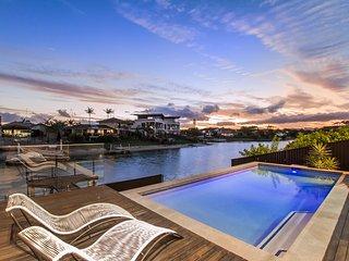 COOBOWIE BAY - Movie Room / Swimming Pool - Mermaid Waters vacation rentals
