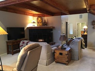 Spacious Lodge townhouse with a separate lock-off room 12 - Oretech vacation rentals