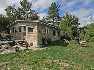 Bright Cottage with Internet Access and Microwave - Lion's Head vacation rentals
