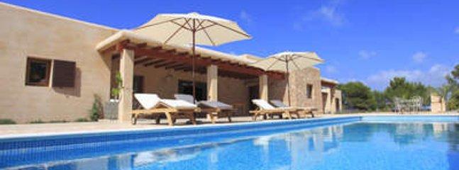 Delightful 5 Bedroom Villa in Formentera - Sant Ferran de ses Roques vacation rentals