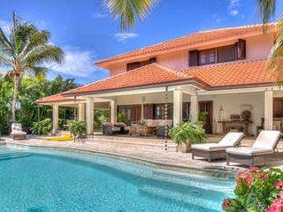 Lovely 4 Bedroom Villa in Tortuga Bay - Punta Cana vacation rentals