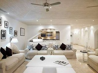 Gorgeous 3 Bedroom Villa in Paynes Bay - Holder's Hill vacation rentals