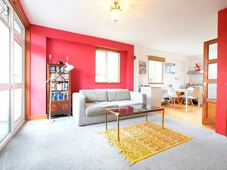 Cool & Cosy 2 Bed Home in Clerkenwell ZONE 1 - London vacation rentals