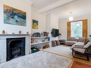 Palatial 3 bed 3 bath House close to Shoreditch - London vacation rentals