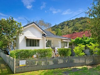 Stella's Waterfront Beach House - Patonga vacation rentals