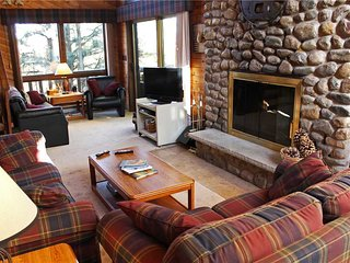 Located at Base of Powderhorn Mtn in the Western Upper Peninsula, A Spacious Trailside Home with Large Stone Fireplace, Indoor Hot Tub & Allows Dogs - Ironwood vacation rentals