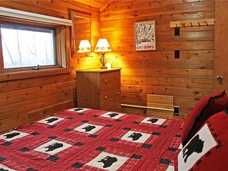 Located at Base of Powderhorn Mtn in the Western Upper Peninsula, A Comfortable Trailside Duplex with Shared Outdoor Hot Tub - Bessemer vacation rentals