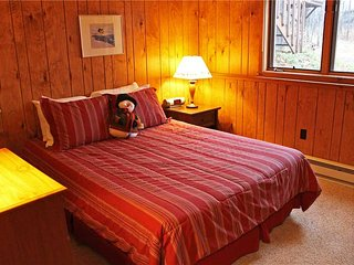 Located at Base of Powderhorn Mtn in the Western Upper Peninsula, An Updated Trailside Duplex with Shared Outdoor Hot Tub - Bessemer vacation rentals