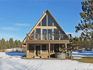 Located at Base of Powderhorn Mtn in the Western Upper Peninsula, A Gorgeous Modern Home with Heated Entryway & Brick Fireplace - Ironwood vacation rentals