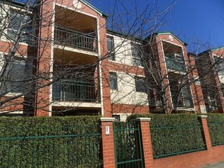 Box Hill 32 Accommodation Box Hill 32 Short Stay Rate - Box Hill vacation rentals