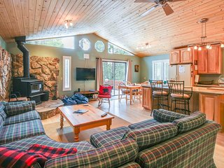 Spacious lakeview home in forested setting - near town & year-round activities! - Carnelian Bay vacation rentals