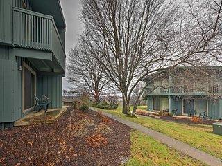New! Cozy Shanty Creek Studio Condo w/ Lake Views! - Bellaire vacation rentals
