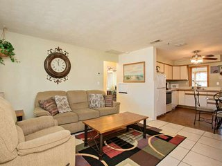 SPRING DISCOUNTED Charming Ormond by the Sea Beachside Home-WiFi, Garage - Ormond Beach vacation rentals