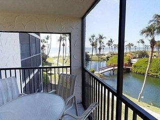 Gulf and pool view corner unit - Sanibel Island vacation rentals
