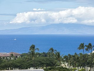 Wailea Ekolu #406 2 BD 2BA Panoramic Ocean View, Full A/C, Sleeps 4 - Wailea vacation rentals