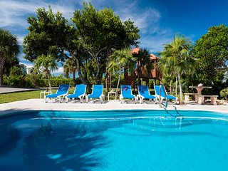 Gorgeous 3 bedroom Providenciales Villa with Internet Access - Providenciales vacation rentals