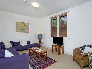 Fantastic Harbourside Location, Ferry Nearby SHEL2 - Cremorne Point vacation rentals