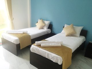 Negombo BnB Twin Deluxe Walk to Beach Free Wifi BF - Negombo vacation rentals