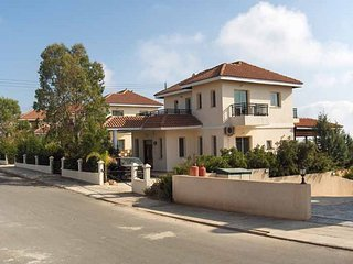 Perfect Villa with Internet Access and A/C - Peyia vacation rentals