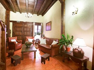 Valle del Jerte, Casa Rural Los Portales - House with 5 rooms in Caceres, with wonderful city view and balcony - Cabezuela del Valle vacation rentals