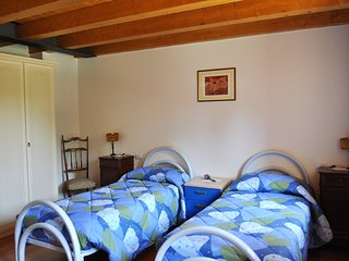 B&B Lemire - Camera Aromatica - Bagnolo vacation rentals