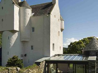 4 bedroom Castle with Parking in Dulnain Bridge - Dulnain Bridge vacation rentals