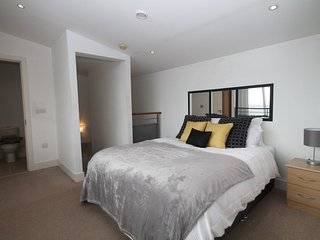 2 BR Duplex City Centre Apartment - Liverpool vacation rentals