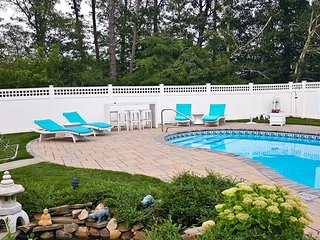 Private Saltwater Pool, King Bed, 4BR, 2 BA, Tennis, Bike Path - BR0644 - Brewster vacation rentals