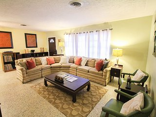 Sunny Oak - Home for You and Your Pet - Sarasota vacation rentals