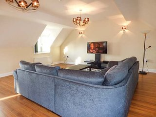 6 EASTON MEADOWS, four poster bedroom, en-suites, WiFi, parking, Bridlington, Ref 939996 - Bridlington vacation rentals